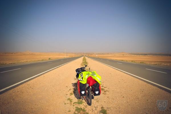 """Vivir en Bicicleta """"Los dos Marruecos"""", Desolación y el 'bello retiro de Hendrix': Essaouira.  image 2"""