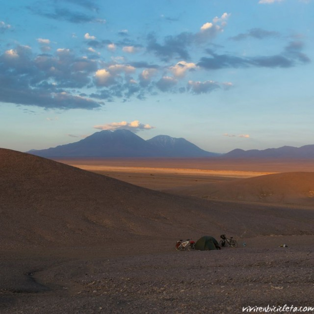 Despus de 5 das engullidos en el desierto volvemos ahellip